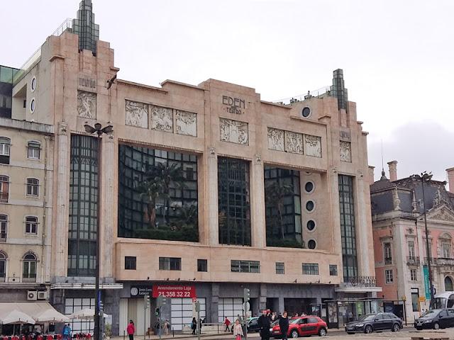 Lisbon Art Deco building | www.stinap.com