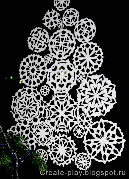 ёлочка из снежинок