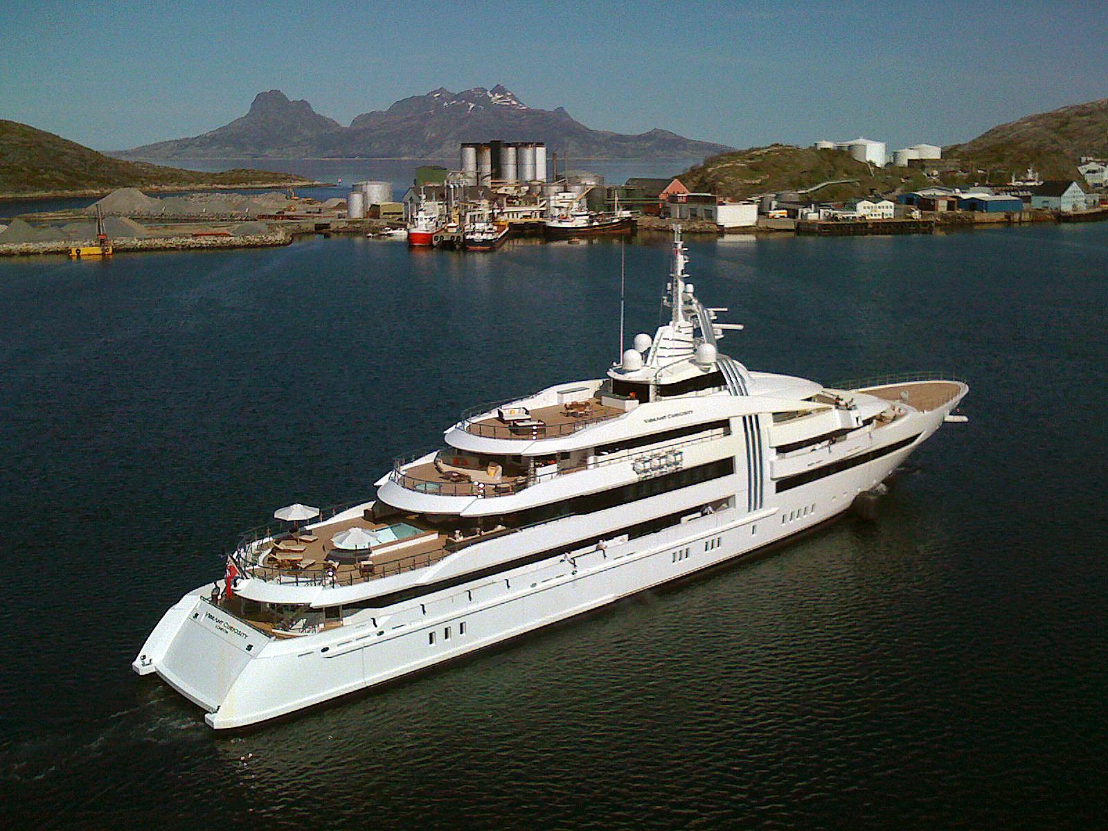 Megayacht VIBRANT CURIOSITY