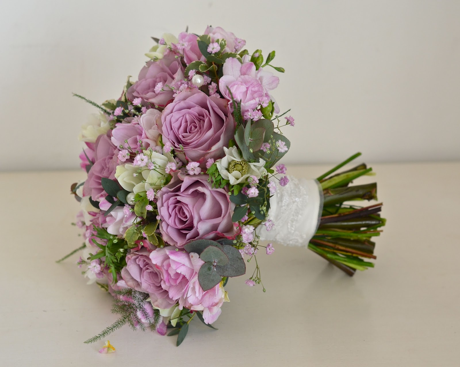 Wedding Bouquets In April : Wedding flowers april