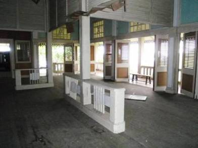 inside main building of uplands school and set of Indochine film