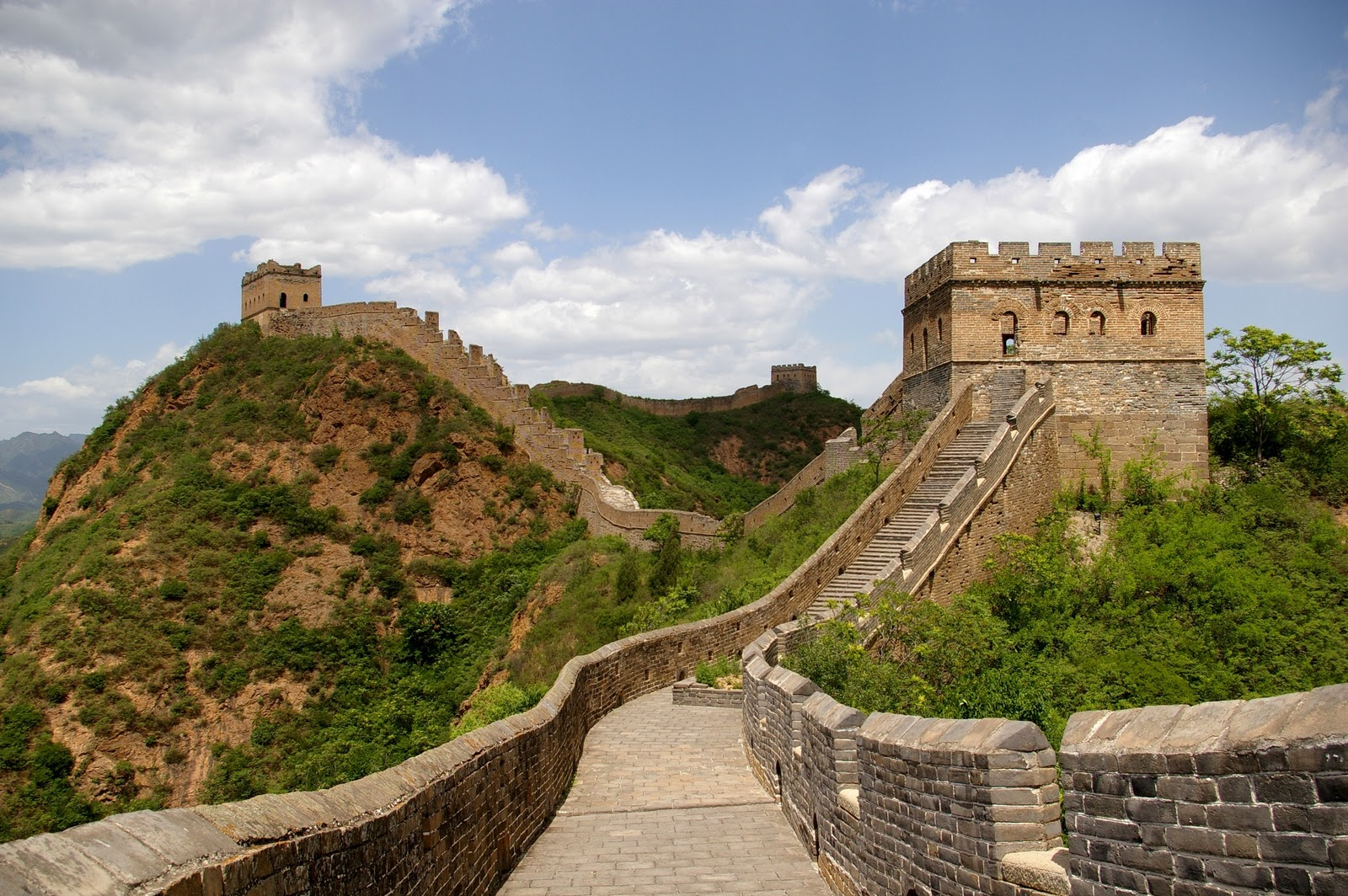 http://4.bp.blogspot.com/-RxecFc2UTgQ/TprJnWaMIgI/AAAAAAAABL8/V2qnYAZ7s-8/s1600/Great+Wall+of+China+wallpapers-5.jpg