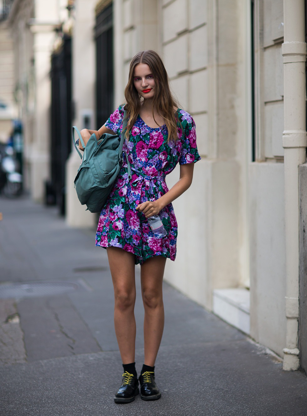 The front row view model street style tilda lindstam makes florals