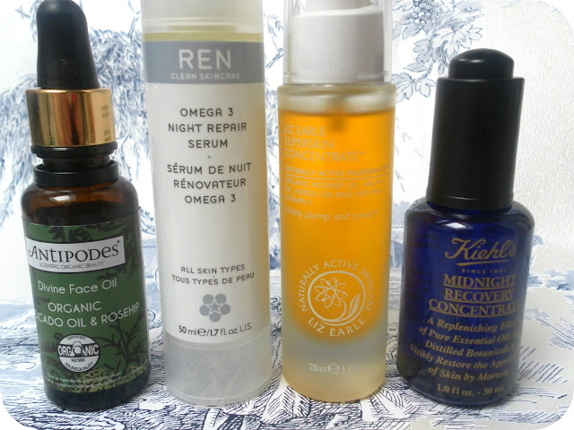 A picture of oils and serums for oily skin