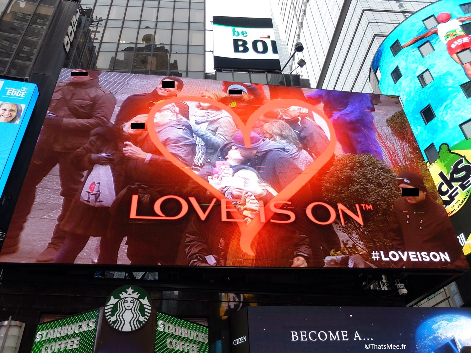 NY visiter New-York Times Square et Broadway Love is on Valentine's day Revlon 2015