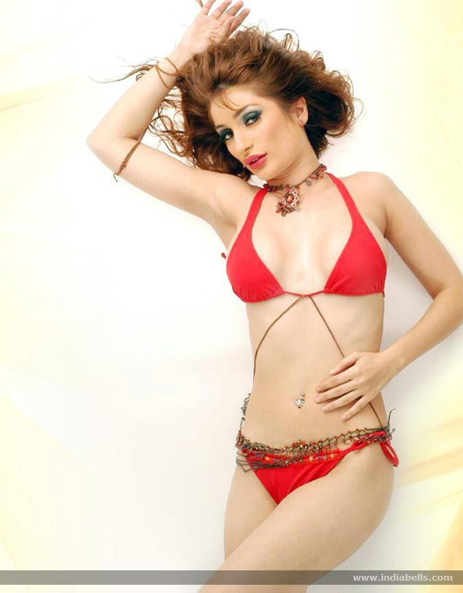 nude images of nigar khan