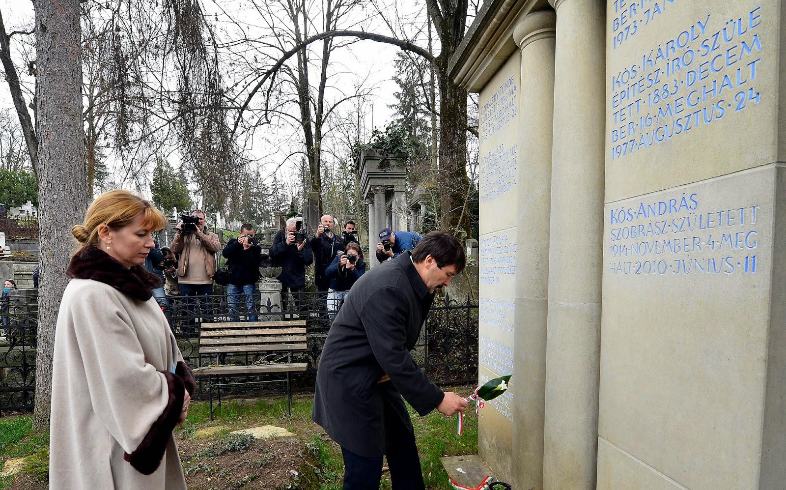 Áder János, Magyarország, Erdély, Kolozsvár, Házsongárdi temető, köztársasági elnök, Kallós Zoltán, Bánffy-kastély