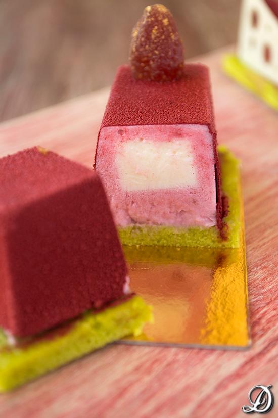 Mousse de Fresas, Cremoso de Chocolate Blanco y Yogur y Magdalena de Wasabi