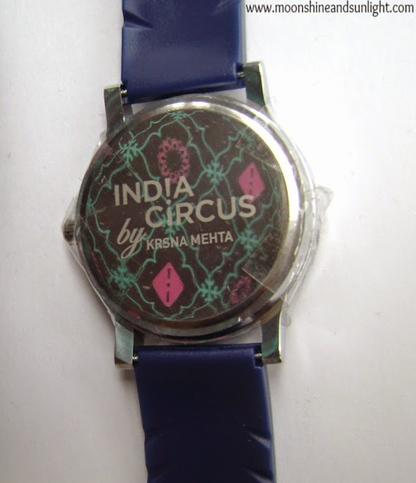 Fall in love with everything at Indiacircus.com, website review, Indian review blog