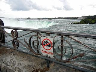 A warning sign at the Niagara Falls