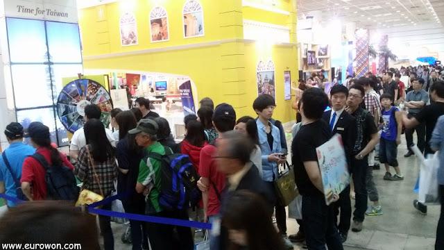 Colas en la Feria de Turismo de Corea