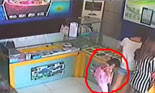 Hiding iPad in pantyhose: little girl robs a shop