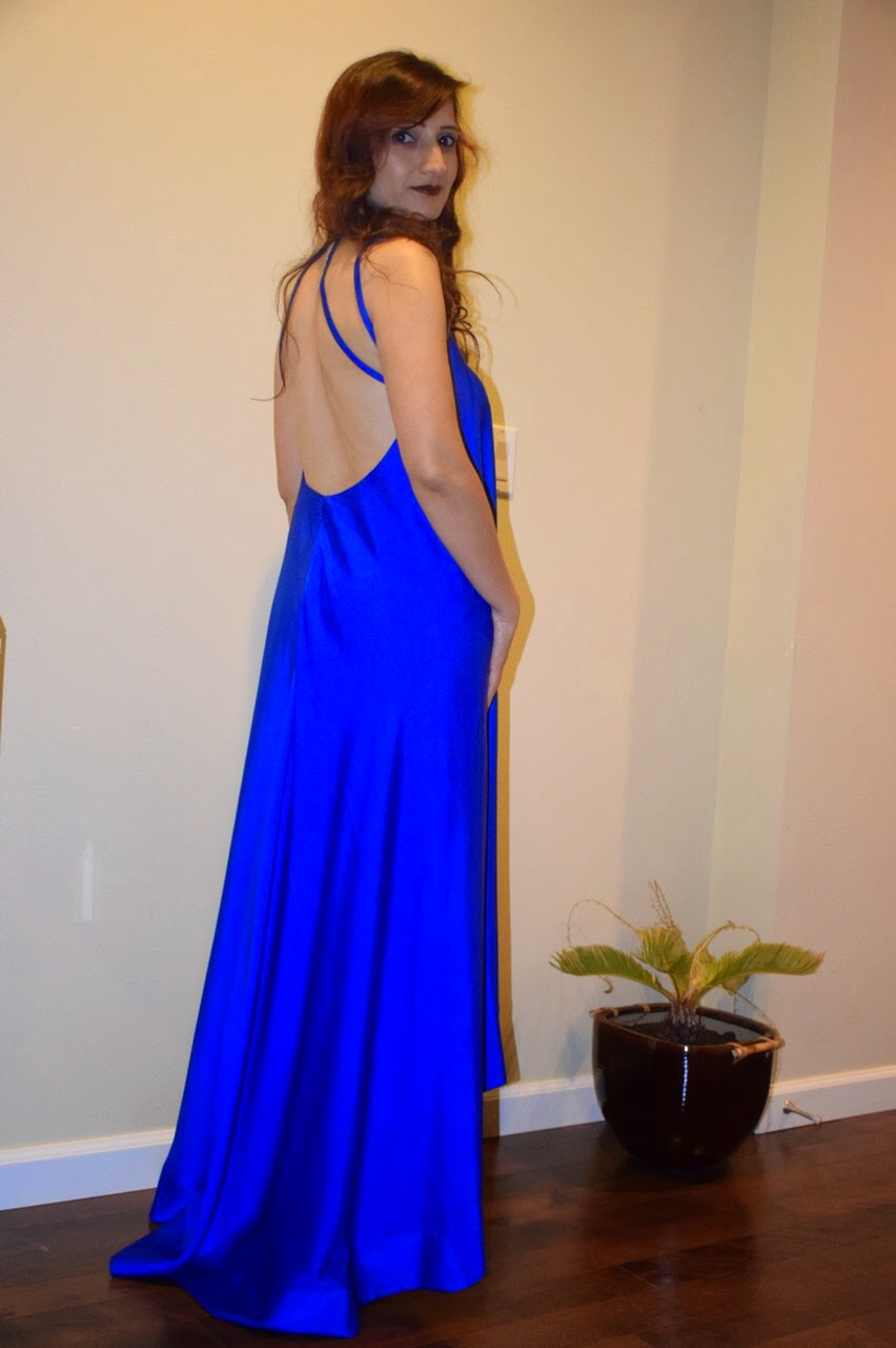 backless dress, royal blue gown, indian fashion blogger, blue backless gown, blue cocktail dress, seattle fashion blogger