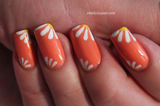 Simple daisy nail art