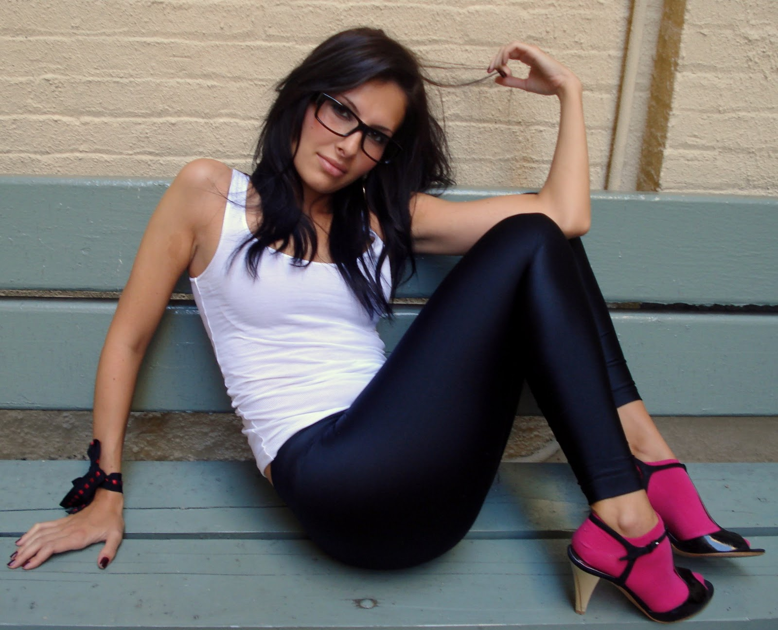 http://4.bp.blogspot.com/-RzPiy9JTWFE/TZAc2P1QUdI/AAAAAAAAAV0/ueZfBUf5kvo/s1600/yoga-girl-18.jpg