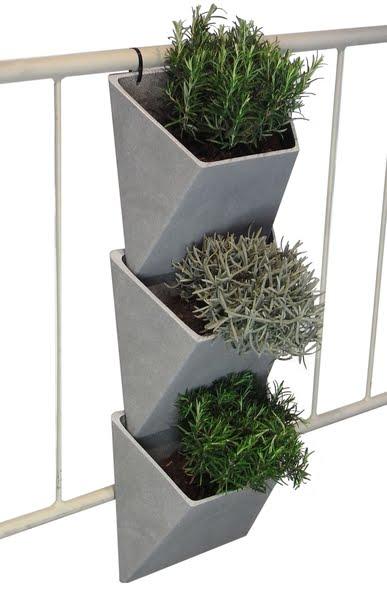 Maceteros verticales jardines verticales y cubiertas - Macetas para jardin vertical ...