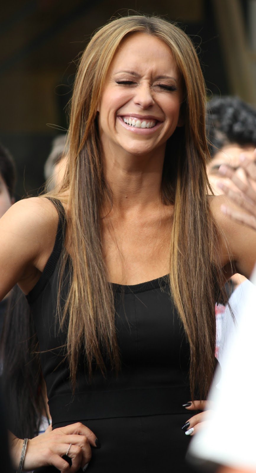 Jennifer Love Hewitt Has Nightmares That People Are Trying To