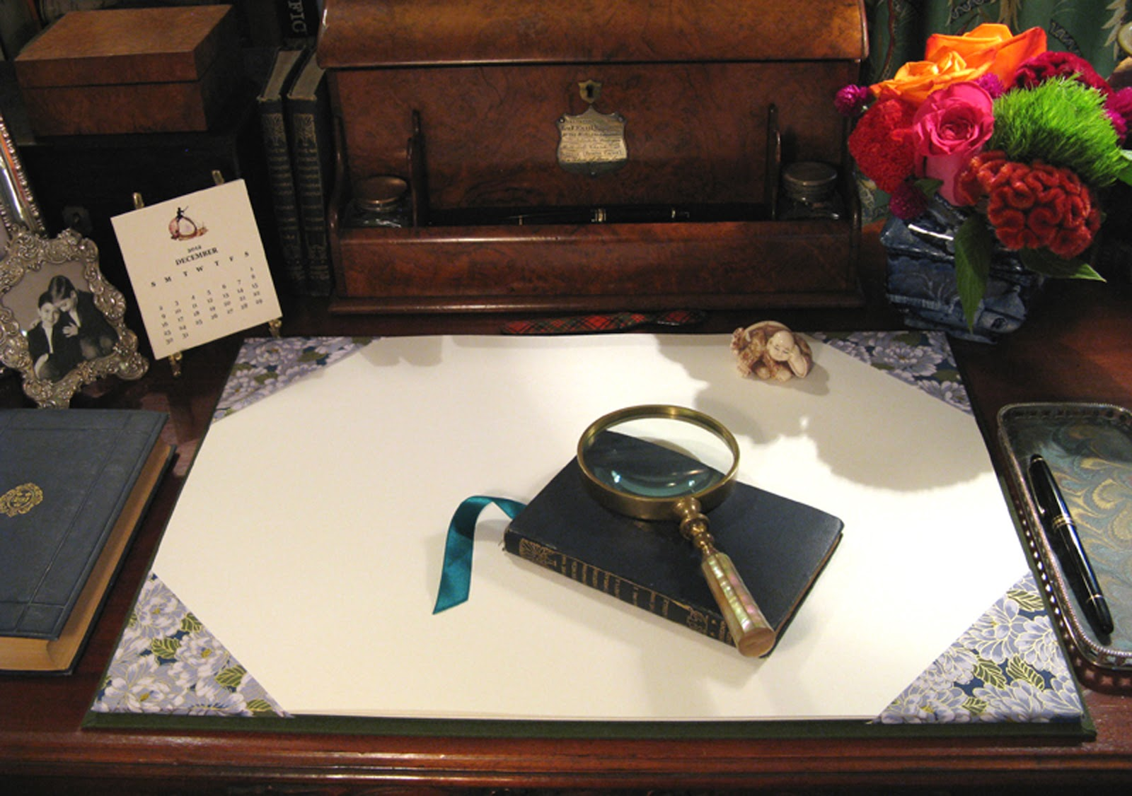Parvum Opus Anatomy of a WellDressed Desk Part 1 The Desk Blotter