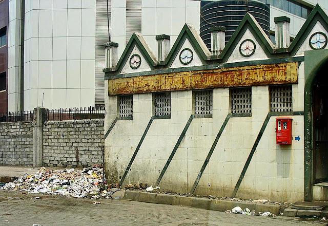 public loo in mumbai