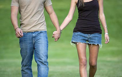 Pictures Of Holding Hands-Romantic Couples