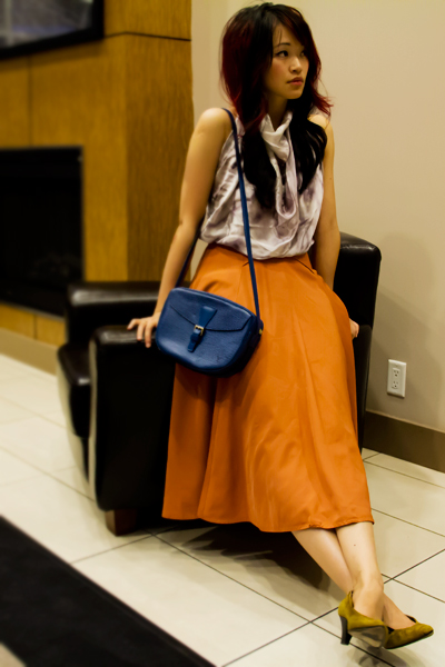 Obakki Silk scarf tied into a top, Scarf Top, scarf as a shirt, Vintage pumpkin colour circle maxi skirt, vintage italian shoes, LV epi leather cobalt blue cross body bag, fall outfit, harvest colours, fashion, style, vintage style, street style, thrift style