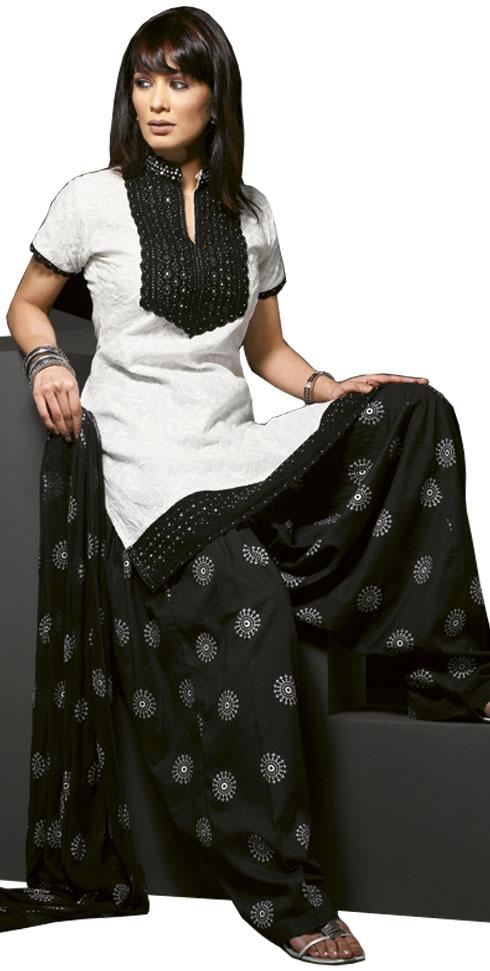 Patiala salwar kameez Fashion Designerquot : 2010 Patiala Salwar Kameez11 from justfashion2day.blogspot.com size 490 x 971 jpeg 68kB