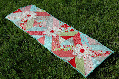 FREE TABLE RUNNERS QUILT PATTERNS - FREE PATTERNS