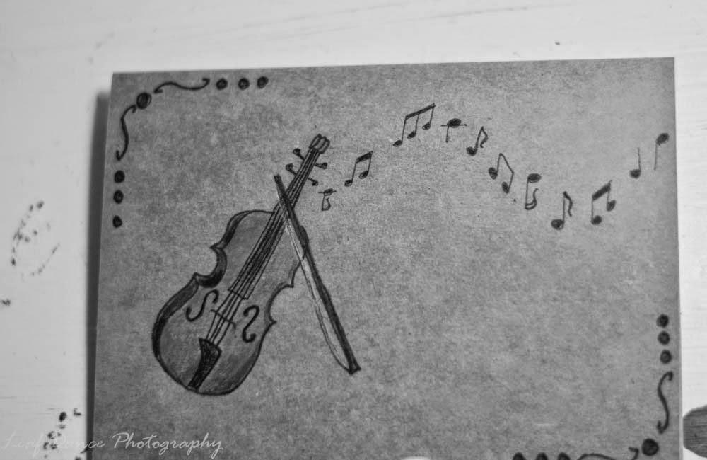 Drawing of a violin