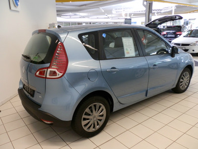 http://4.bp.blogspot.com/-S0teYpG1H74/UDDLlyvVi0I/AAAAAAAASxY/_fylVHpkjQY/s1600/Renault+scenic+2012+Diesel.JPG