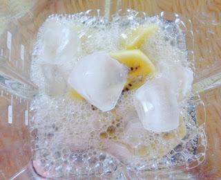 Cách làm sinh tố kiwi thơm mát, đẹp da4
