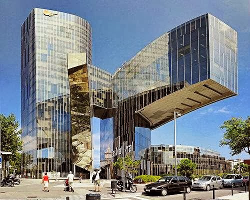 Los 25 edificios m s exc ntricos del mundo for Edificios minimalistas