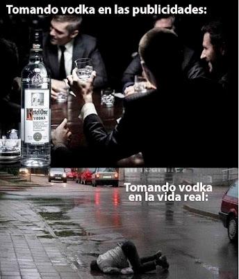 hombres de traje tomando vodka y borracho en la calle
