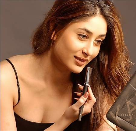 kareena kapoor pretty close up 01