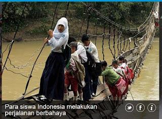 inovLy media : Para Siswa Indonesia melakukan perjalanan berbahaya