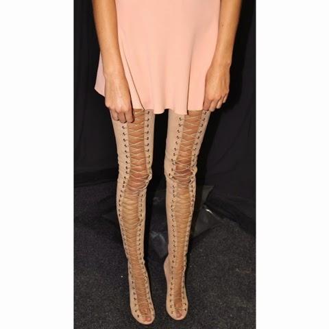 un lace shoes