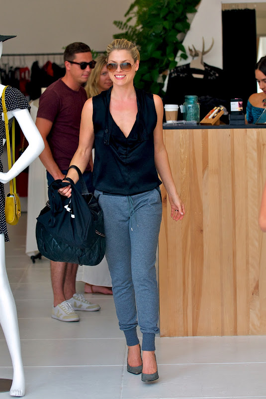 Ali Larter  Shopping on Melrose Avenue