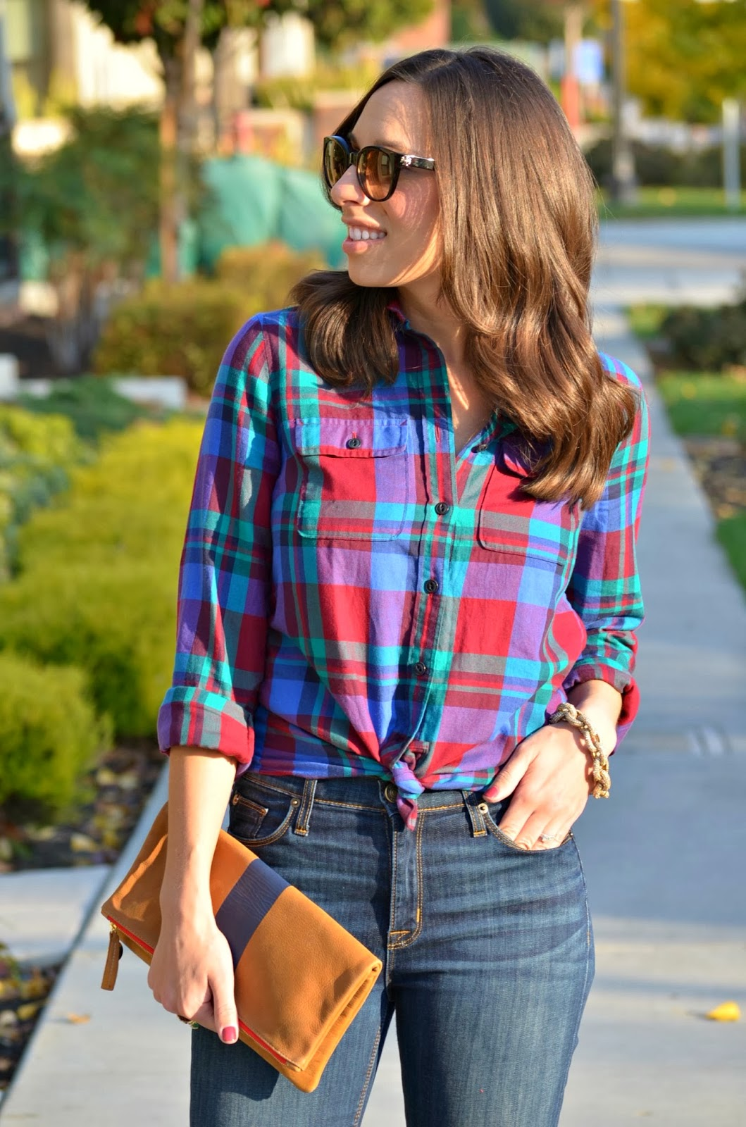 Dressing up a flannel shirt