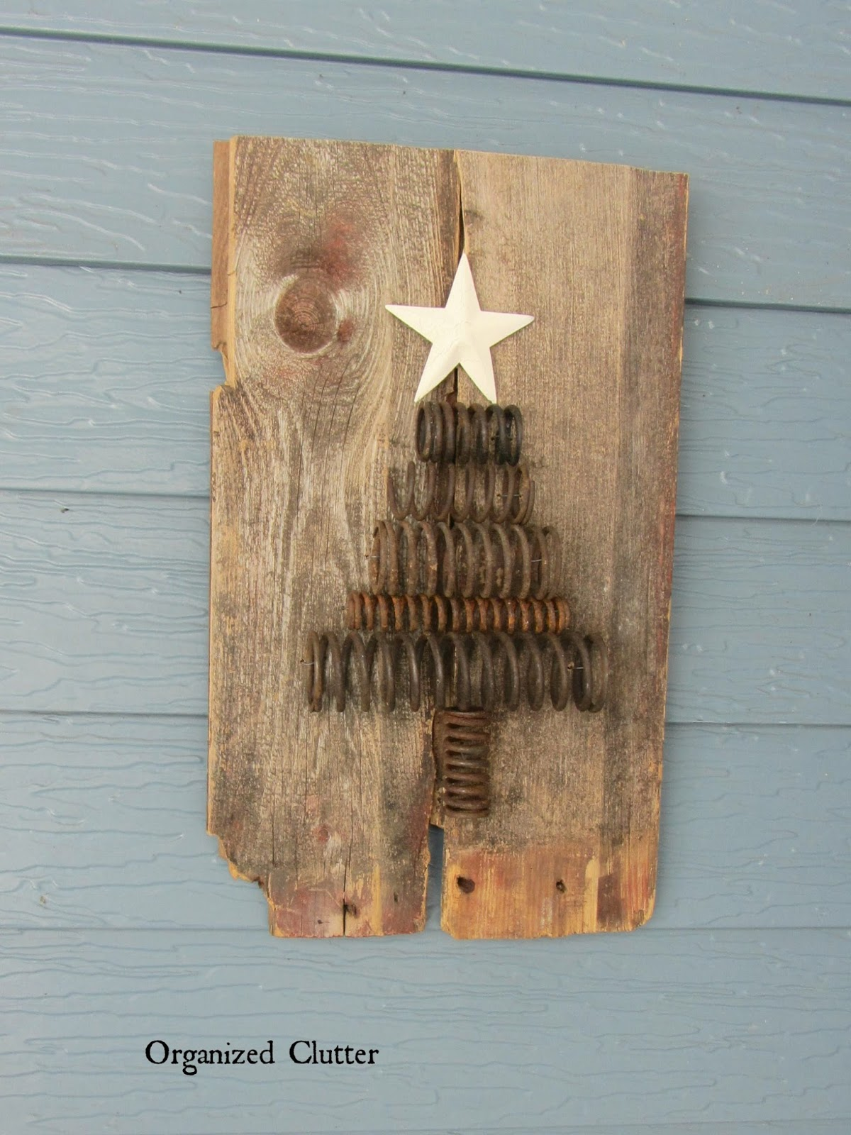 Rusty Spring Christmas Tree Plaque www.organizedclutterqueen.blogspot.com