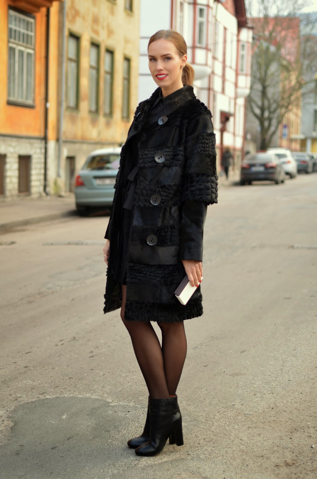 luxury-black-fur-coat-chloe-ankle-boots-outfit