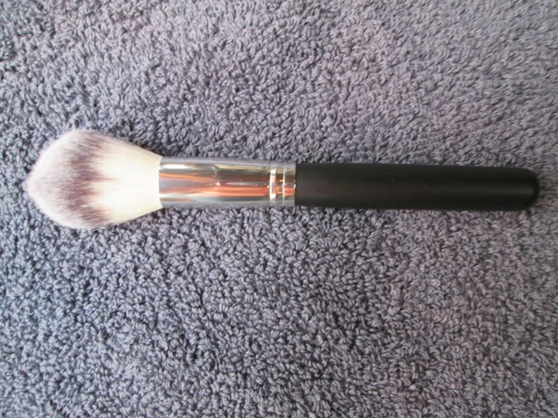 Crown Brush Blush