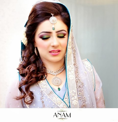 PakistaniBridalMakeupPictures2014 001 wwwshe stylesblogspotcom - Bridal Makeup Pictures 2014 by Anam.
