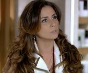 . ela que está atuando muito bem como a delegada na novela Salve Jorge, .
