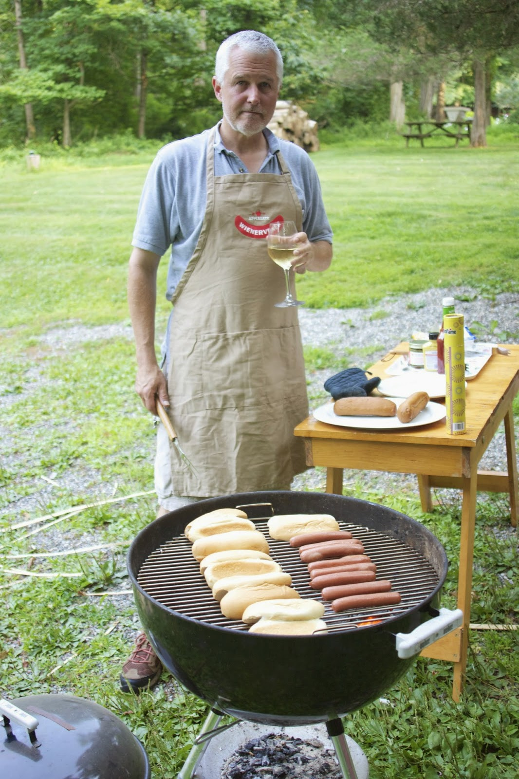 grilling hot dogs: simplelivingeating.com