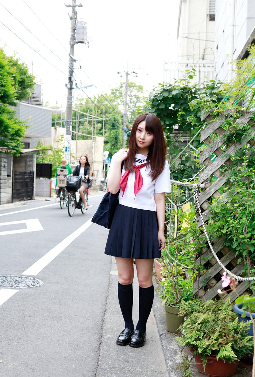 yoshiko suenaga sexy naughty schoolgirl pic 01