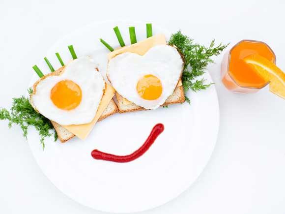 бутерброды с яичницей