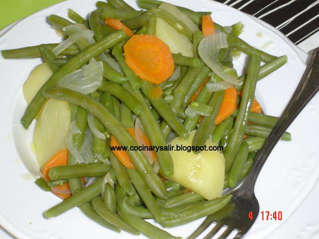 Cocinar y salir jud as verdes con patatas hervido for Cocinar judias verdes de bote
