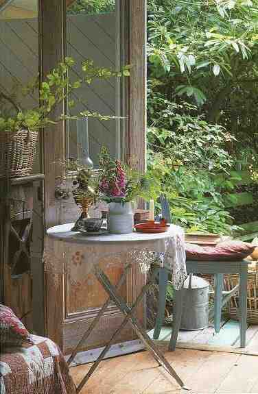 Aranżacja w stylu cottage, meble ogrodowe