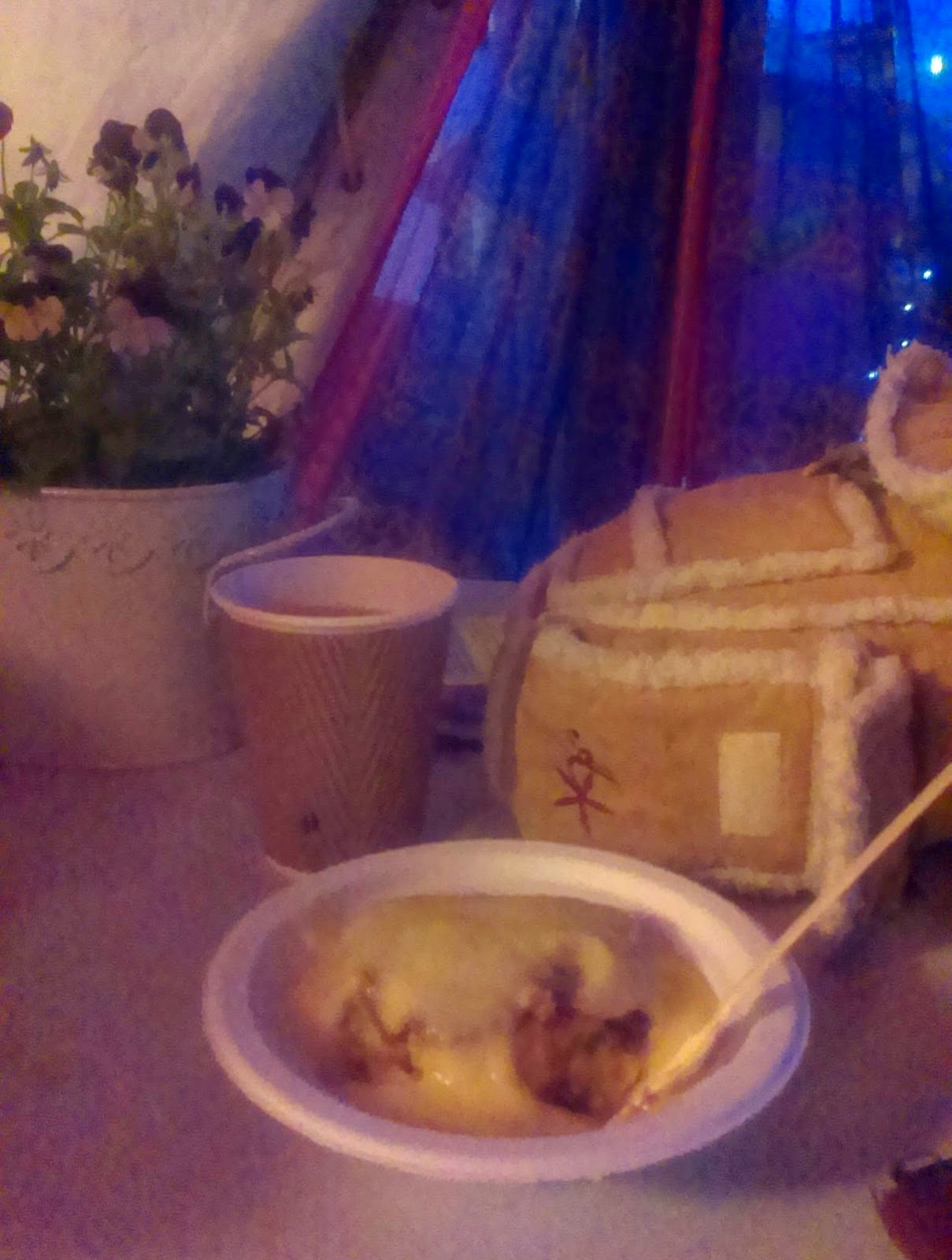 10pm - Cake and custard