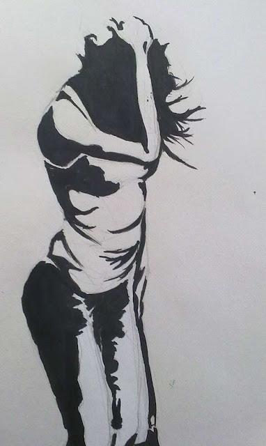 mujer con viento con una tinta