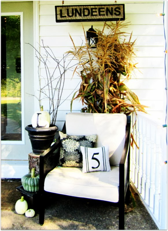 25 outdoor fall decor ideas the cottage market ForIdea Deco Guijarro Exterior